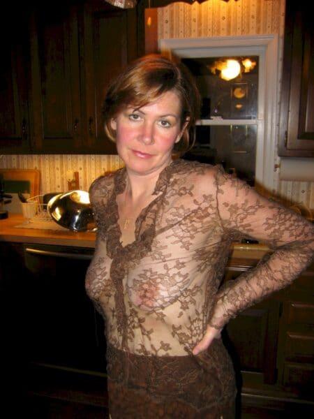 femme coquine soumise pour mec qui aime soumettre de temps en temps libre