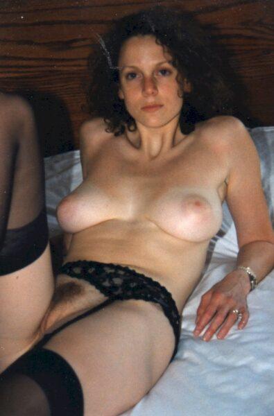 Femme sexy domina pour coquin qui est docile