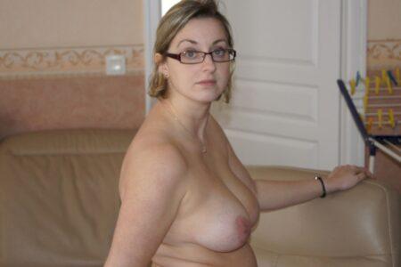 Une femme sexy de Auch pour du dial et plus