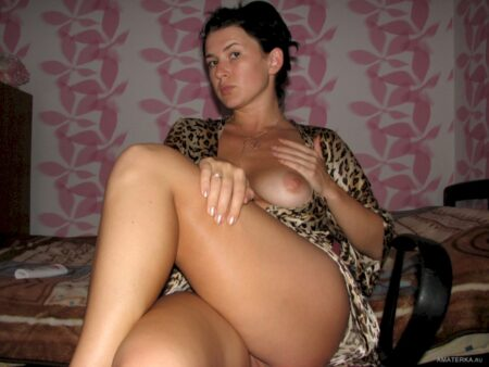 Vieille cougar soumise pour amant domi souvent libre